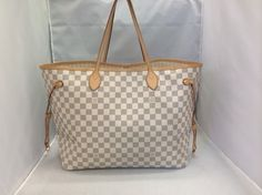 Louis Vuitton Neverfull Gm Damier Azur Tote Bag. Get one of the hottest styles of the season! The Louis Vuitton Neverfull Gm Damier Azur Tote Bag is a top 10 member favorite on Tradesy. Save on yours before they're sold out!