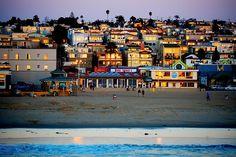 Beautiful colors in late sun in Hermosa Beach