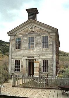 Old house in Bannack, Montana ...