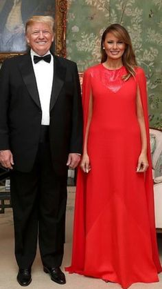 President & First Lady Melania Trump, Winfield House. Malania Trump, Pro Trump, Melania Knauss Trump, Donald And Melania, Trump Is My President, Greatest Presidents, First Lady Melania Trump, Beautiful Gowns, Looking For Women