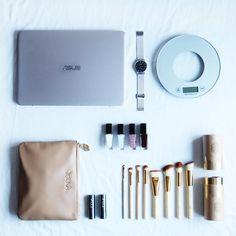 jenny mustard xmaspresents - ASUS ZenBook UX305