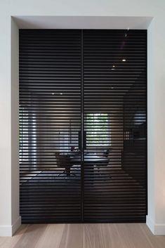 Inspiratieboost: een stijlvolle binnendeur voor in de woonkamer - Roomed