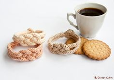 French knitted cotton bracelet  Coffee time door LaMauvaiseGraine, €8.80