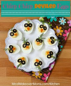 Chirp, Chirp Deviled Eggs These adorable deviled eggs will delight your kids on Easter . or any time of the year. And, eggs are nutritious. Easter Recipes, Baby Food Recipes, Appetizer Recipes, Appetizers, Cute Food, Good Food, Yummy Food, Food Art For Kids, Food Carving