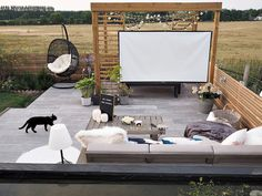 The most beautiful garden makeover you've ever seen! & AO Life & Play The post The most beautiful garden makeover you've ever seen! Terrace Design, Garden Design, House Design, Backyard Patio Designs, Backyard Landscaping, Outdoor Spaces, Outdoor Living, Outdoor Seating, Backyard Movie Theaters