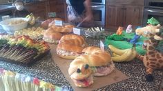 Snake sandwich and other snacks Jungle Party, Safari Party, Crocodile Party, Holidays Halloween, Madagascar, Baby Showers, Shower Ideas, Snake, Sandwiches