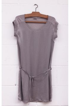 Vestido de seda, Silk dress, Gray silk dress, System Action, shop online, lookbook, model, street Style, SS2015, PV2015, new collection, details, beautiful, clothes, ropa.
