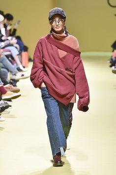 Vogue.com | Fall 2017 Cres E Dim