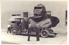 Even up close, the working model built for King Kong was a pretty impressive sight to see. This was probably taken in 1932 (production on the film took more than a year: Jan 1932 to early Feb 1933) at RKO, with the native village and great wall scenes shot at the Culver Studios on Washington Blvd. And I bet he was a beast (pun intended) to get on and off that truck, which was often as he was used to promotion when the movie came out.