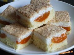 Ovocny kolac s kokosovym snehom Dessert Recipes, Dinner Recipes, Czech Recipes, Hungarian Recipes, Graham Crackers, Smoothies, Sweet Tooth, French Toast, Cheesecake