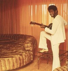 "sunsetgun: ""Al Green "" Gotta dig the fur-covered round bed. Music Icon, Soul Music, My Music, Music Life, Al Green Singer, R&b Artists, Soul Artists, Soul Singers, Music Heals"