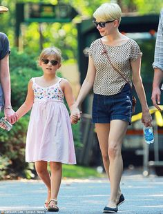 Michelle Williams (with daughter Matilda Ledger)