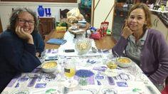 ...sexts-feira, a mesa com sopinha enquando esperamos por Ekinha.