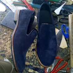 Loafs by Koch... Swipe to order... New designs New deals... Best quality at affordable prices. All loafers are 15000 only. Worldwide delivery #loafers #shoes #shoegame #handmade #madeinNigeria #newstyle #mensshoes #mensstyle #velvet #velvetslippers #suede #leather #brogues #Oxfords #Derby #workshoes #abujabargains #Lagos