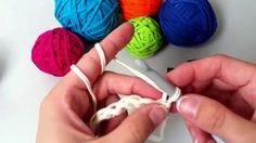 Základy háčkování I.- řetízek, krátký sloupek a dlouhý sloupek Crochet Videos, Homemade, Knitting, Youtube, Detail, Home Made, Tricot, Breien, Stricken