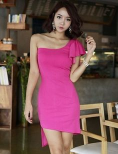 Sexy One-Shoulder Ruffle Trim Slim Dress in Pure Color