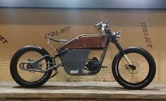 Motorcycle Tips & Ideas Velo Design, Bicycle Design, Steampunk Motorcycle, Motorcycle Tips, Eletric Bike, Bicycle Sidecar, Lowrider Bicycle, Leather Bicycle, Motorised Bike