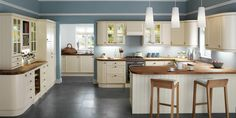 Beautiful Cream Kitchen With Brown Countertop - Shanthi Vishnuvardhan - Google+