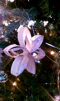 paper roll Christmas decoration that kids can do