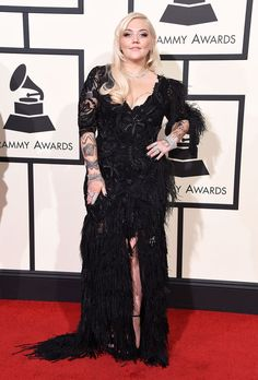 Pin for Later: These Grammys' Stars Give New Meaning to the Little Black Dress Elle King in a high-slit lace dress King Fashion, Curvy Fashion, Celebrity Red Carpet, Celebrity Style, Elle King, Red Carpet Looks, Height And Weight, Red Carpet Fashion, Lace Dress