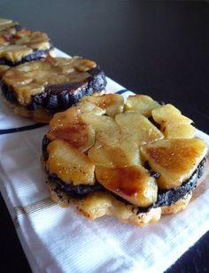 Tatins de boudin noir aux pommes Le Boudin, No Salt Recipes, Great Desserts, Original Recipe, Street Food, Food Dishes, Food Porn, Brunch, Food And Drink