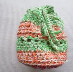 Free Crochet Pattern: little pouch by elisabeth andrée
