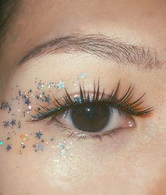 Moon River Glitter Wimpern - Makeup Tips Tutorials Clown Makeup Pretty, Glitter Makeup Looks, Cute Makeup, Gorgeous Makeup, Makeup Trends, Makeup Inspo, Makeup Inspiration, Makeup Geek, Makeup Goals