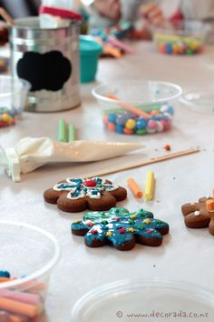 Biscuit decorating workshop at Moore Wilsons.