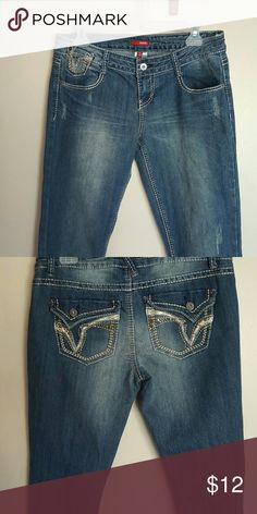 BONGO jeggings These have never been worn. Great embellishments on the pockets and bold stiching. BONGO Jeans Skinny