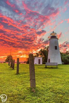 Don't know where this is but I love the sky and the fence and of course the lighthouse! Beacon Of Light, Nature Photography, Beautiful Pictures, Scenery, Places To Visit, Around The Worlds, Ocean, Architecture, Light House