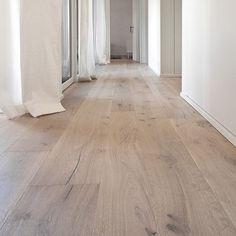 Wide Panel Light Wood Floor