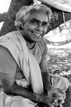 1970's: Swami Vishnudevananda Saraswati, Sivananda Yoga .... #vintageyoga…
