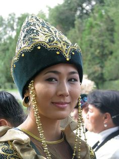 A Kazakh lady in her cultural dress (Kazakhstan- Image by Jonathan Newell)