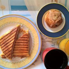 A Thursday morning full of flavour: Loaded grilled cheese with two types of cheese (Emmental and mozzarella), mortadella, smoked turkey and a nice cheesy crust. On the side, a vanilla cream and raisin roll. #thenewbreakfasteverydayproject #livingmylifemyway