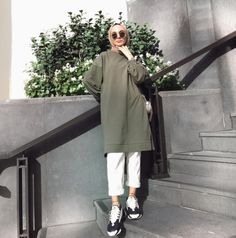 Hijab Fashion 641270434427499503 - Source by turkishh__ Modern Hijab Fashion, Street Hijab Fashion, Hijab Fashion Inspiration, Muslim Fashion, Casual Hijab Outfit, Hijab Chic, Casual Outfits, Fashion Outfits, Ootd Hijab