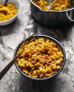 Roasted Butternut Squash Miso Mac 'N Cheese - hannah chia Cheesy Sauce, Vegan Mac And Cheese, Roasted Butternut Squash, Wok, Vegan Recipes, Yummy Food, Meals, Dinner, Cooking