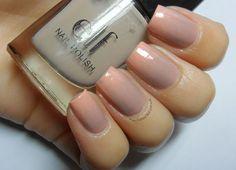 Nail Stories: Nude & Peachy Gradient