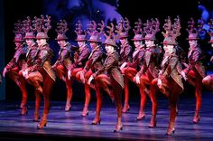 Radio City Christmas Spectacular Kicks Up Record-Breaking Holiday Haul With Shows Rockettes Christmas, Christmas Spectacular, Radio City Music Hall, One Year Ago, Live Events, Mexico City, North America, Kicks, Dance