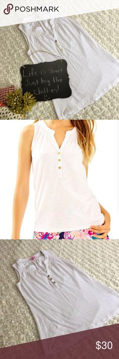 "Lilly Pulitzer white tank top Excellent condition white tank top by Lilly Pulitzer. Size XXS. 14.5"" arm pit to arm pit. 23.5"" length. Very cute!!!!! Lilly Pulitzer Tops Tank Tops"