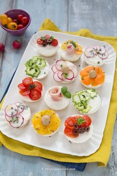 Sandwich Cake Sandwiches Hors D Oeuvre Fingerfood Food Lists Antipasto Quiche Food Hacks Food Inspiration Party Finger Foods, Finger Food Appetizers, Appetizer Recipes, Amazing Food Decoration, Aperitivos Finger Food, Gourmet Recipes, Healthy Recipes, Food Carving, Food Displays