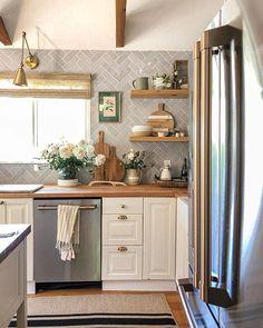 Kitchen Redo, Home Decor Kitchen, Kitchen Interior, New Kitchen, Home Kitchens, Kitchen Remodel, Diy Home Decor, Home Decoration, Küchen Design