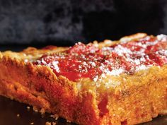 Detroit Red Top Pizza by 'Pizza Bible' Is the Best Thing You'll Ever Make From Scratch (and It's Not That Hard, We Promise) : Bustle I Love Pizza, Good Pizza, Pizza Pizza, Pizza Party, Pizza 101, Pizza Calzones, Baby Pizza, Perfect Pizza, Pizza Rolls