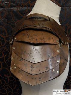 Armure d'épaule cuir spartacus gladiateur par lantredurenard
