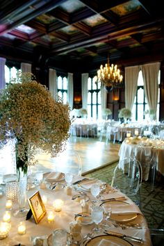 Elegant gypsophila, baby's breath #wedding flower arrangements.