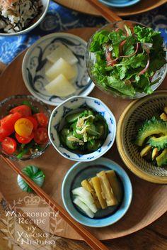 なすの味噌煮、浅漬け、ゴーヤとエリンギのカレー炒め、きゅうりと切干大根のサラダ、大根の煮物、ニラとトマトの和えものグリーンサラダなどなど
