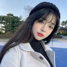 La imagen puede contener: 1 persona, primer plano y exterior Pelo Ulzzang, Ulzzang Hair, Ulzzang Korean Girl, Pretty Korean Girls, Cute Korean Girl, Beautiful Asian Girls, Korean Beauty, Asian Beauty, Korean Girl Photo