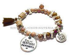 Pulsera boho style con medalla personalizada dedicada a madres, amigas, profesoras, hermanas...