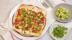 Avokádós tortilla sütve (enchilada) Recept képpel - Mindmegette.hu - Receptek Enchiladas, Cheddar, Avocado Toast, Salsa, Lunch, Breakfast, Food, Cilantro, Breakfast Cafe