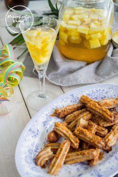 Gluteenittomat, vegaaniset ja maidottomat churrot 👌 Churro, Chicken Wings, Meat, Desserts, Blog, Recipes, Healthy, Tailgate Desserts, Deserts