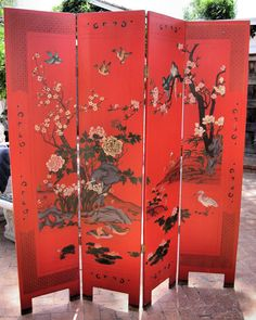 Chinese four-panel red lacquer screen with a red ground with polychrome designs of birds, flowering plants amid rockery on a bank with ducks, cranes Oriental Decor, Oriental Furniture, Chinese Furniture, Home Decor Furniture, Painted Furniture, Furniture Ideas, Belle Epoque, Decorative Metal Screen, Chinese Room Divider